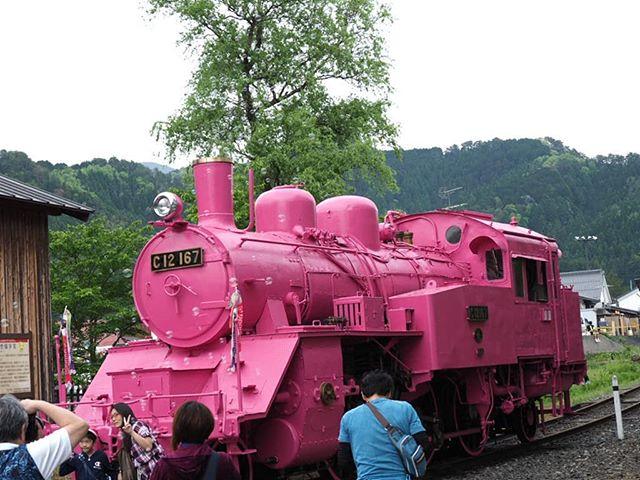 ピンクのSLシャボン玉出てます。#touring